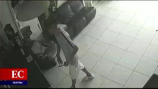 SJL: delincuente utiliza cuchillo para robar en una peluquería