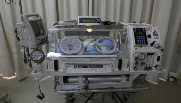 La incubadora se ha convertido en una herramienta para la atención de ciertos casos de bebes prematuros. (Foto: Miguel Bellido / Archivo El Comercio)