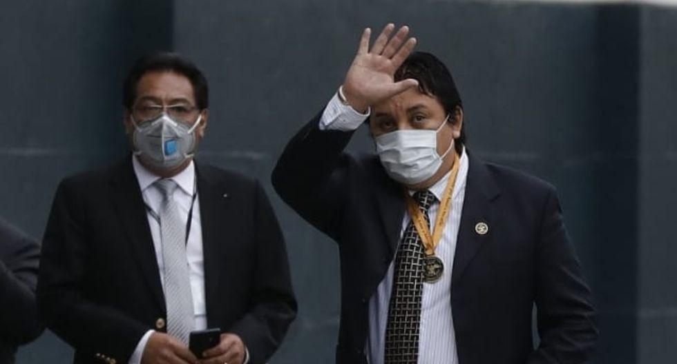 Richard Cisneros, conocido como Richard Swing, acudió el viernes al Congreso para intentar explicar sus contratos con el Ministerio de Cultura (FOTO: GEC)