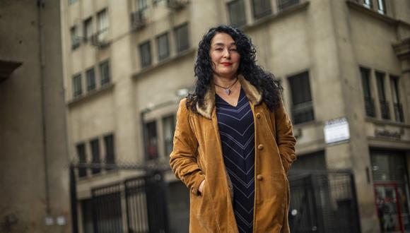 """Kathy Serrano es actriz y directora de teatro nacida en Venezuela. """"Húmedos, sucios y violentos"""" es su primer libro de relatos. (Fernando Sangama/GEC)"""