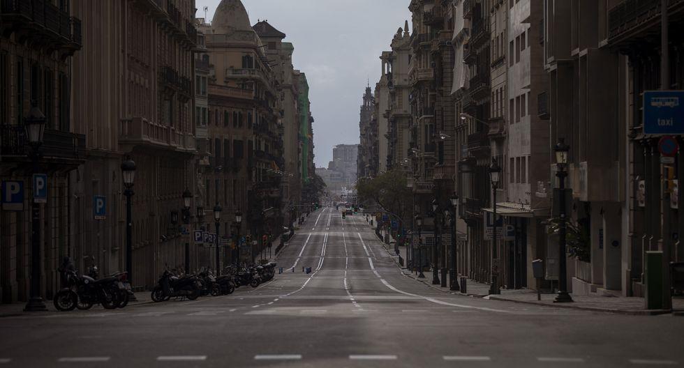 Barcelona también está en cuarentena. (AP Photo/Emilio Morenatti).