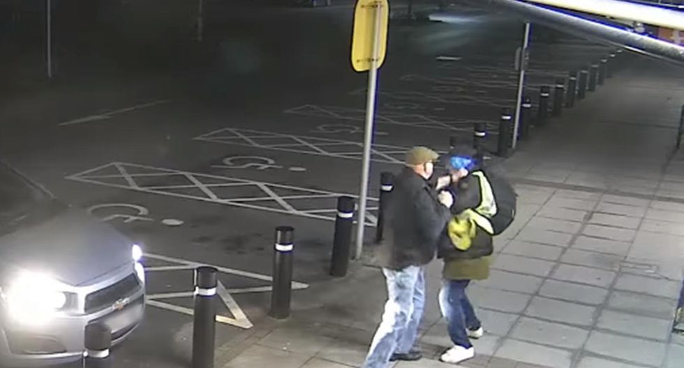 En Gales, abuelo de 77 peleó a puños con ladrón para evitar ser asaltado. | Foto: Captura