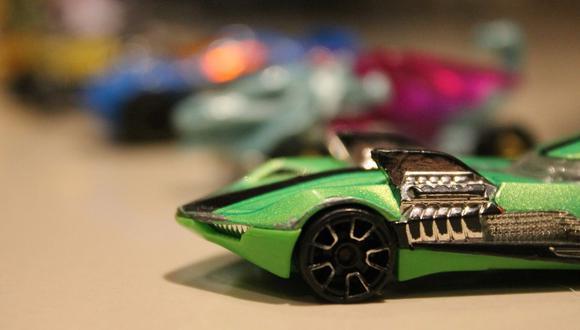 Un hombre de 30 años colecciona carros de juguete. Cuando sus parientes se enteraron de ello, le exigieron que los regale a los niños de su familia. (Foto referencial: Andrés Gabriel / Pixabay)