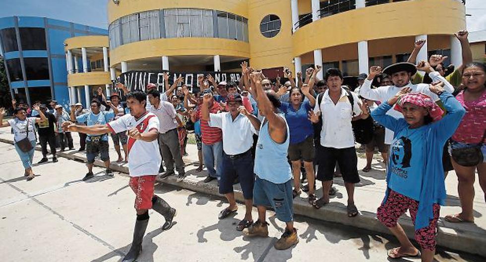 Ucayali: moradores bloquean la sede municipal de Curimaná   - 1