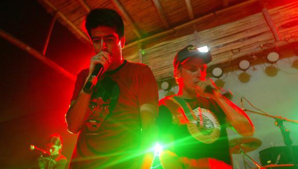 Nicolás Duarte y Ricardo Wiesse son las voces de la banda que mezcla sonidos tropicales con elementos electrónicos. (Félix Ingaruca)
