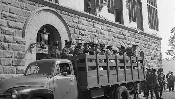 El 6 de junio de 1961, se realizó una de las últimas mudanzas de reclusos de la Penitenciaria de Lima antes de su demolición. (Foto: Archivo Histórico El Comercio)