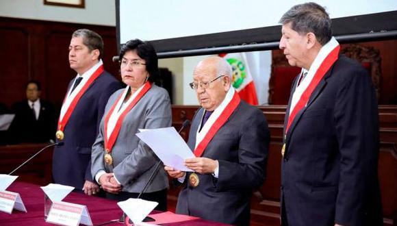 Manuel Miranda, presidente del TC, leyó el pronunciamiento en el que se rechaza la denuncia. (Foto: TC)