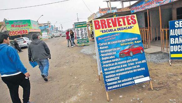Mafias de brevetes: cierran 7 locales clandestinos en Conchán