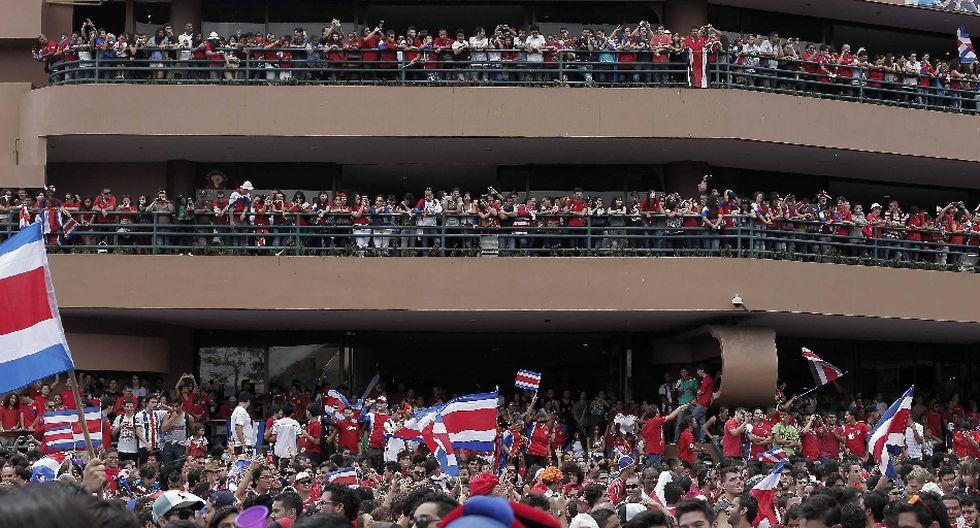 Miles de costarricenses festejaron clasificación en Brasil 2014 - 2