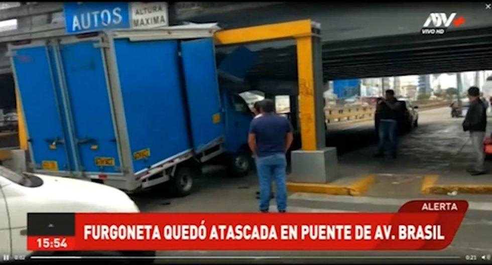 El hecho ha ocasionado caos vehicular en la zona. El tránsito está restringido. (Foto: Captura ATV+)
