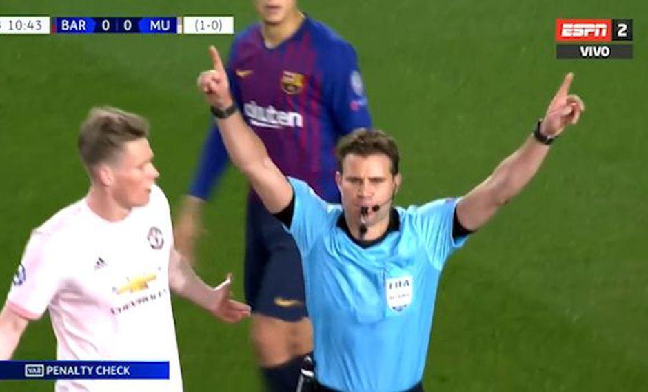 Barcelona vs. Manchester United: árbitro cobró penal para culés pero cambió tras aviso del VAR en la Champions League. (Foto: captura)