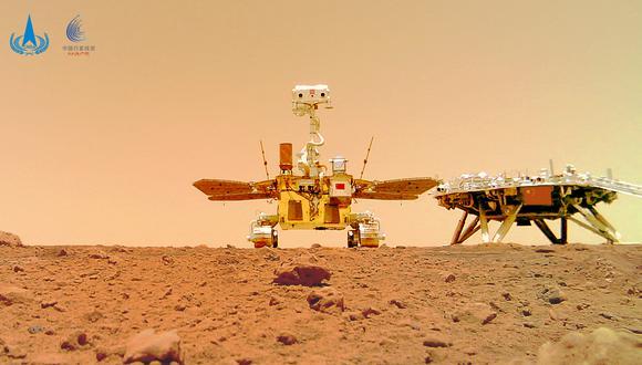 La imagen muestra al rover Zhurong en la superficie de Marte. (Foto: HANDOUT / China National Space Administration (CNSA) / AFP)