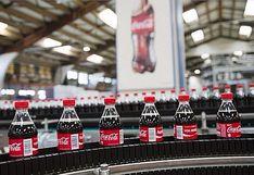 Coca-Cola: el 56% de las botellas de plástico PET que usa ya tiene una segunda vida