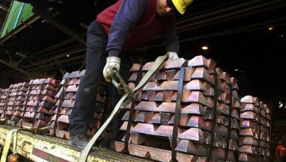 El cobre, utilizado principalmente en construcción y energía, es visto como un barómetro de la salud de la economía global. (Foto: EFE)