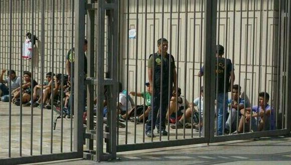 """""""Saqueo: ¡Queremos más Adidas!"""", por Raúl Castro"""