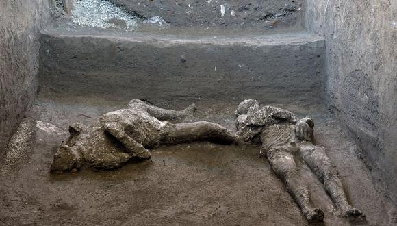 Los restos de dos hombres que murieron en la erupción volcánica que destruyó la antigua ciudad romana de Pompeya en el 79 d.C. fueron descubiertos en una excavación. (Luigi Spina / REUTERS).