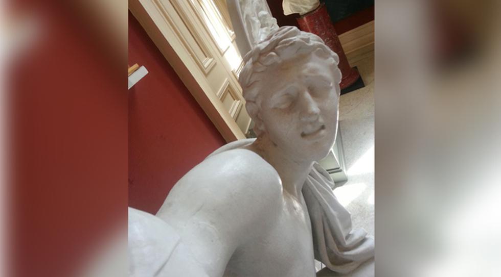 Esculturas se suman a la fiebre del selfie en galería irlandesa - 1
