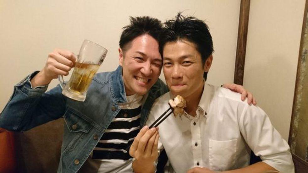 Yuichi Ishii puede fungir como familiar o amigo del cliente al que le presa servicio. Foto: BBC Mundo