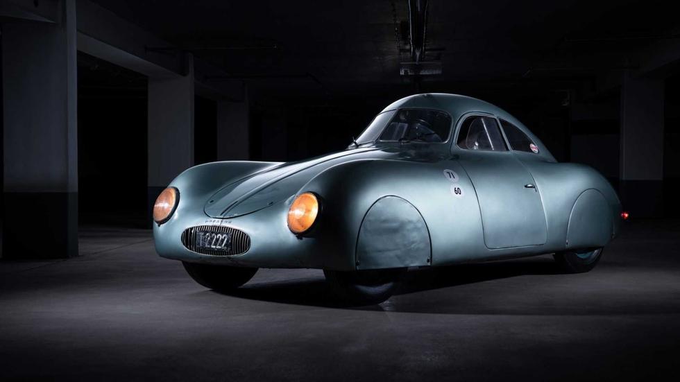 El Porsche Type 64 fue tomado como punto de partida para años más tarde crear al Porsche 356, el primer auto comercial de la marca. (Fotos: RM Sotheby's).