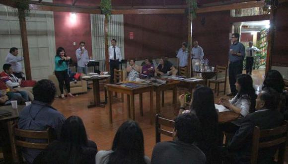 Trujillo: noche de tertulia entre escritores y lectores