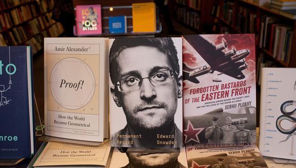 """Edward Snowden publicó su libro """"Vigilancia Permanente"""" (""""Permanent Record"""") en 23 países, entre ellos Estados Unidos, España, México, Colombia, Argentina, Brasil y Perú. (EFE)."""