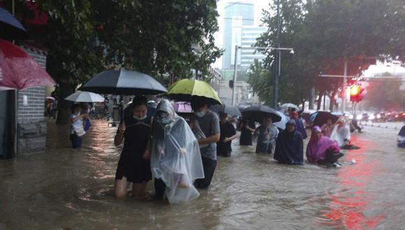 Más de 20 personas fallecieron en China debido a las inundaciones por las fuertes lluvias. (Foto: AP)