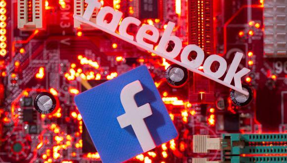El algoritmo de Facebook considera miles de variables para ordenar el contenido que muestra a sus usuarios. (Foto: Reuters)