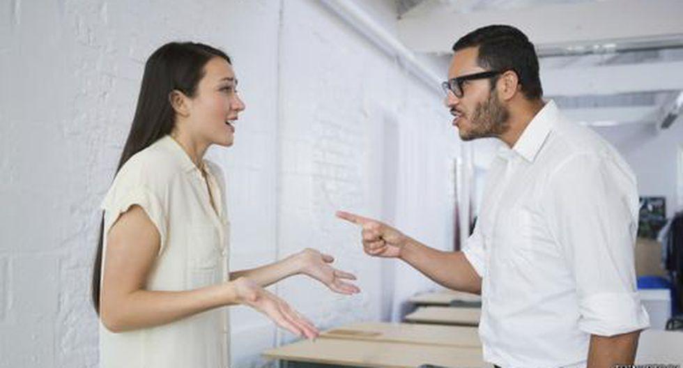 ¿Las mujeres sienten más frío que los hombres en las oficinas?