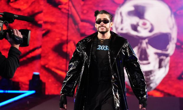 Bad Bunny fought in pairs with Damian Preist and took the victory against The Miz and Morrison    Photo: WWE