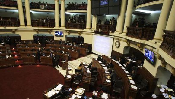 Tres ministros responderán mañana por aumento de sueldo