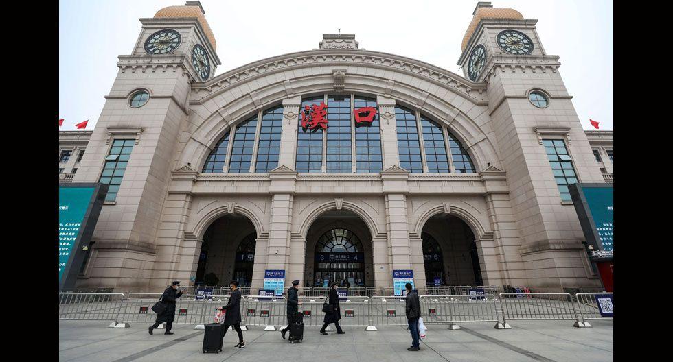 Las autoridades chinas cancelaron la salida de aviones y trenes de la ciudad.(Foto: Agencias / Shutterstock)