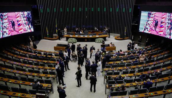 Diputados de Brasil aprueban ley que permite que empresas privadas compren vacunas contra el coronavirus. (Foto:Sergio Lima / AFP).