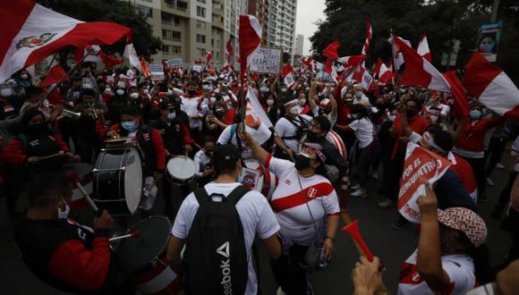 Simpatizantes del partido Fuerza Popular realizan una marcha por las calles del Cercado de Lima exigiendo que se respeten sus votos emitidos en la segunda vuelta el 6 de junio   Foto: El Comercio