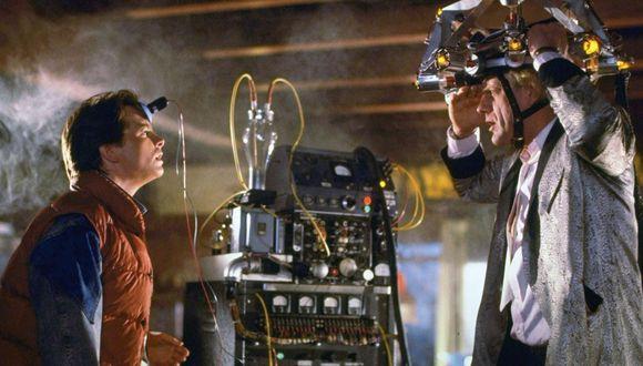 """Michael J. Fox y Christopher Lloyd, en una escena de  """"Volver al futuro"""". Foto: Universal"""