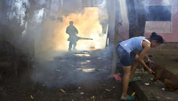 Primer estudio demuestra eficacia de vacuna contra el dengue