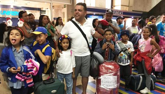Andrés Hurtado fue detenido en el principal aeropuerto internacional de Venezuela con niños venezolanos que esperaban reencontrarse con sus padres en el Perú. (Foto: Facebook/Andrés Hurtado)