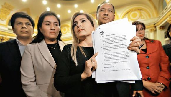 Maritza García adelantó que denunciará al oficial mayor del Congreso por no haber inscrito a su grupo. (Foto: Alonso Chero/ El Comercio)