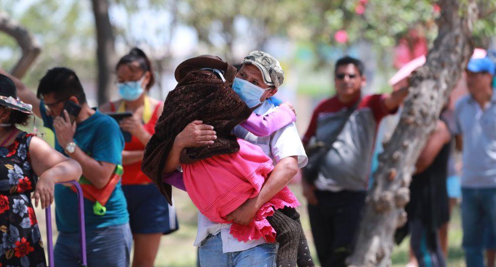 La historia de unas fotos que demuestran la humanidad en Estado de Emergencia. (Lino Chipana)