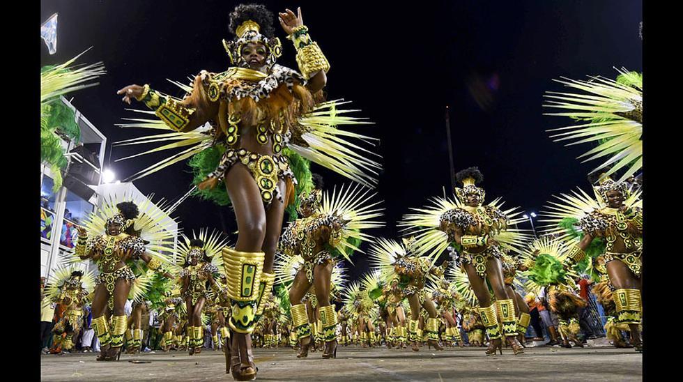 Las escuelas de samba aceleran el ritmo del carnaval de Río - 9