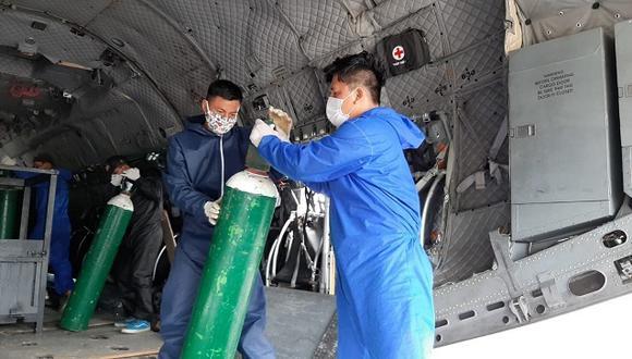 Minsa implementa puente aéreo para enviar 40 balones de oxígeno a hospital de Moyobamba. (Foto: Minsa)