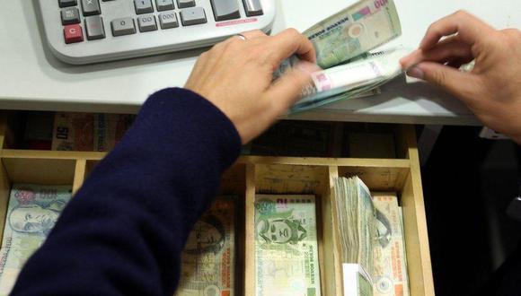 El Congreso aprobó por insistencia la ley que fija topes de tasas de interés del sistema financiero. (FOTO: GEC)