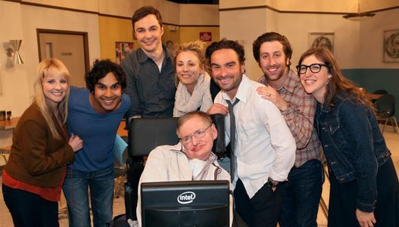 """Stephen Hawking fue una persona muy apreciada por todo el elenco y equipo creativo de """"The Big Bang Theory"""". (Foto: CBS)"""