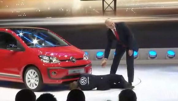 Interrumpen presentación de Volkswagen en Ginebra [VIDEO]