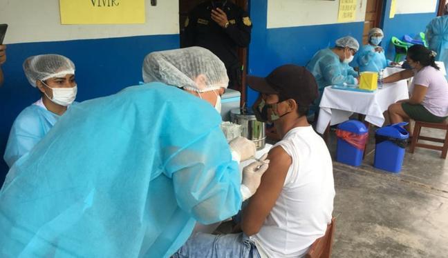 Óscar Ugarte sostuvo que este proceso no afectará el plan de inoculaciones contra el coronavirus que se viene implementando en el país. (Foto: Diresa)