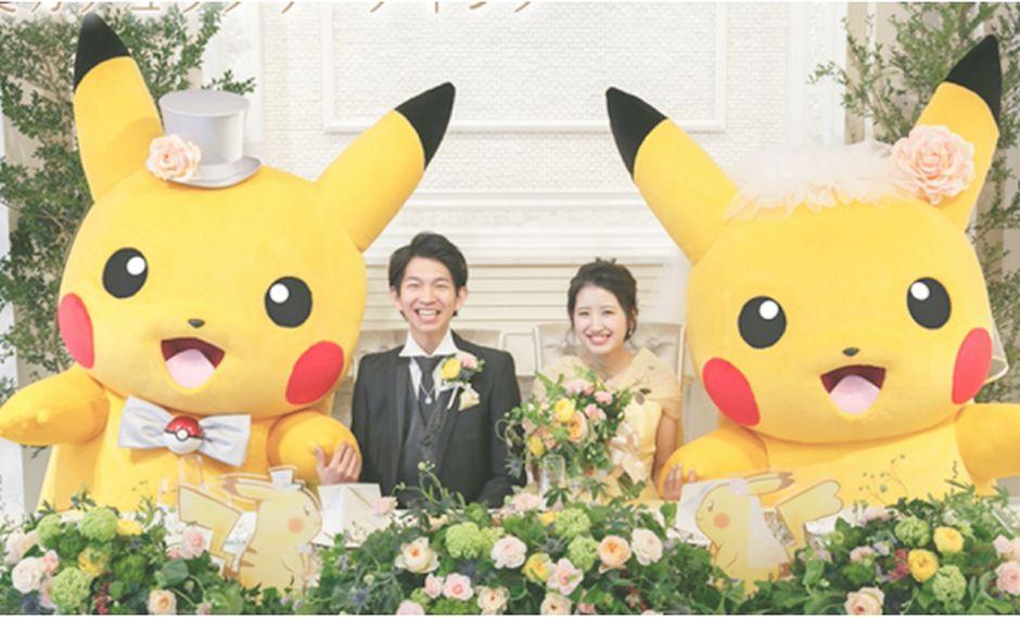 Este tipo de bodas se han hecho tendencia en Japón, puedes pedir que te acompañe un Pikachu o Charizard. | Escrit