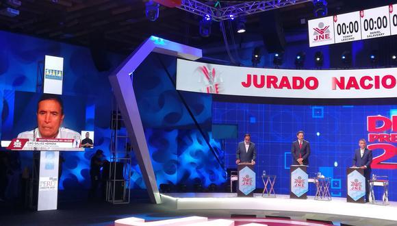 Ciro Gálvez participó de forma virtual durante el debate presidencial del JNE debido al coronavirus. (Foto: JNE)