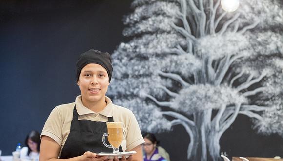Sandra Silva Vargas, barista de El Cedro Café en Plaza Santa Catalina (Foto: Roger Aguilar / cafelab.pe)