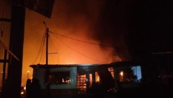 El incendio pudo ocasionar una  tragedia mayor por las 40 personas que se encontraban incumpliendo con las medidas de bioseguridad por el COVID-19 (Foto: Difusión)