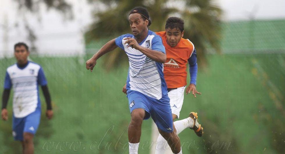Así fue el primer entrenamiento de Ronaldinho en el Querétaro - 7