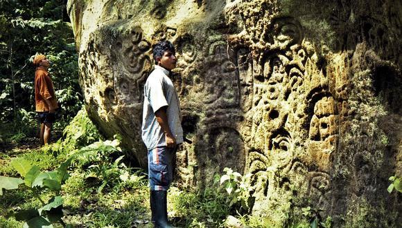 Esta enorme piedra de granito, con 17 metros de largo, 14 metros de ancho y 4,5 metros de alto, fue descubierta para la ciencia por el geólogo José Sánchez Izquierdo en 1997. (Foto: Álvaro Rocha)